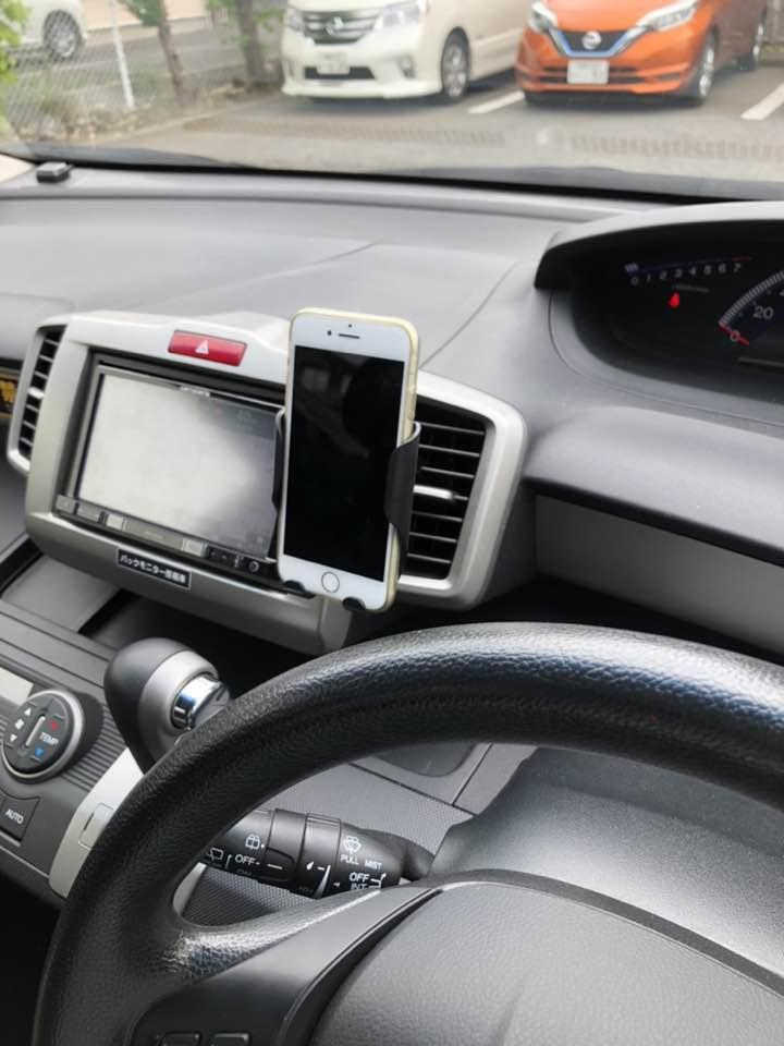 レンタカー&カーシェアで使えるスマホホルダーの決定版